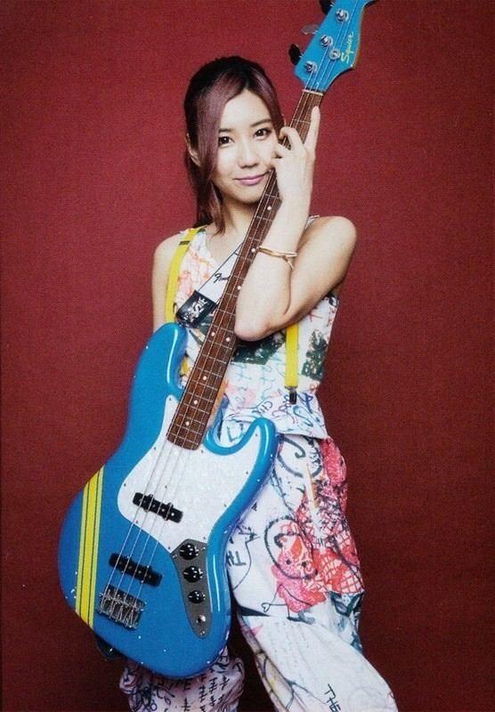 Tomomi Ogawa Japan 4 String Love Female Bassists