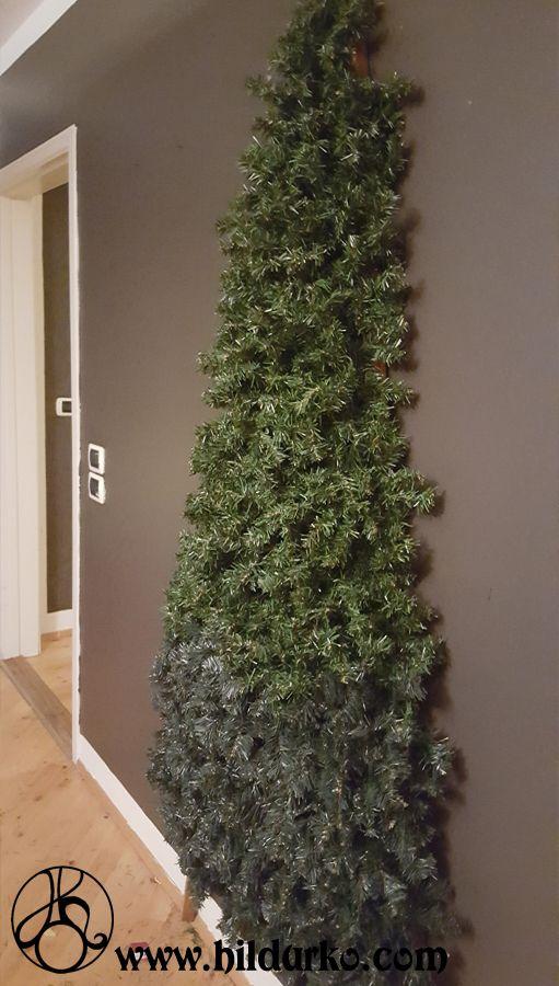 Diy Flat Christmas Tree Save Space With An Easy Tree 3 In 2020 Flat Christmas Tree Wall Christmas Tree Diy Christmas Tree