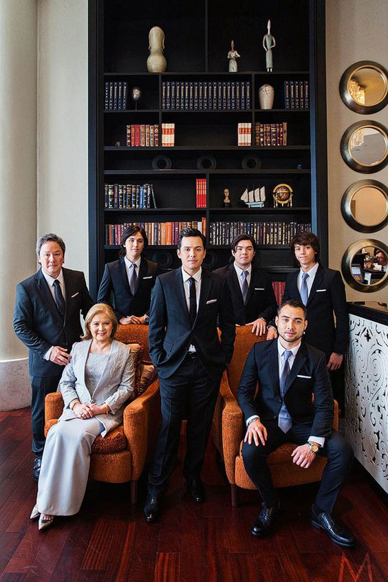 Soriano Family | http://brideandbreakfast.ph/2015/06/16/toni-gonzaga-paul-soriano-wedding-photos-preps/ | Photography: Metrophoto