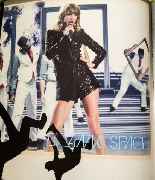 1989 WORLD TOUR BOOK