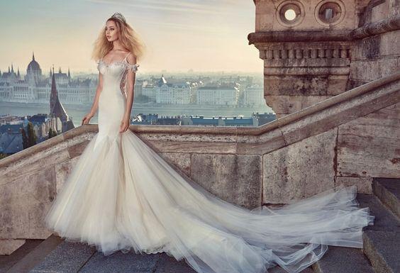 Surpreendente, deslumbrante, simplesmente arrasador os vestidos da estilista Galia Lahav. Tarefa árdua selecionar os melhores modelos...