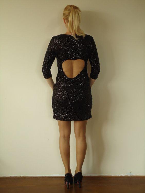 Zwarte pailletten jurk met open hart van Jacky Luxury. | FASHION OBSESSION