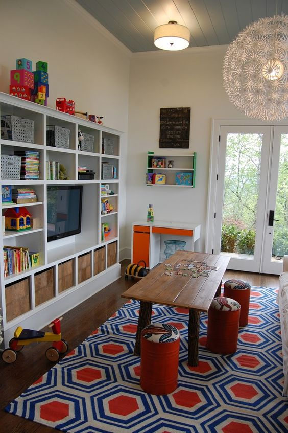 Great room for reading, doing homework, playing...Bambini Blog | Playroom inspiration  #KidOrganic #FruitsandVegetables www.OrganicLearningAdventure.com