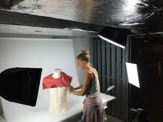 Unser neues #Fotostudio im Keller in dem wir zukünftig viele tolle bedruckte #Shirts von uns für euch ins rechte Licht rücken ;-)