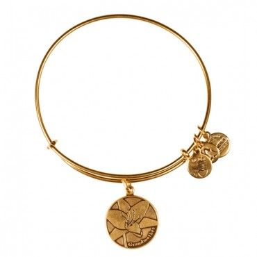 Grandmother Charm Bangle eternal love carries on from generation to generation. Associated with divine holy ones, the lily is a virtuous flower that stands for dignity and peace. Majestically beautiful, give or wear the Grandmother Charm to pay tribute to the honored matriarch whose pride and calming kindness is infinite.