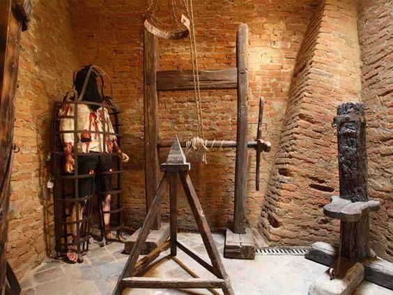 Instrumentos  de tortura reales C4d350e689cfc9f5f4077eee59924be7