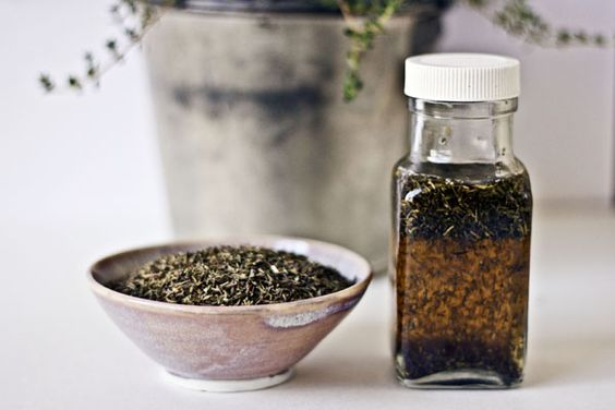 Thyme: To Control Blemishes and Acne
