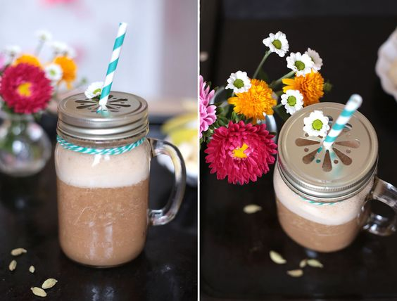 Such a good mix! Yerba Mate with Chai Tea Spices mixed with banana! Best in you favorite Mason Jar! Mug Love!