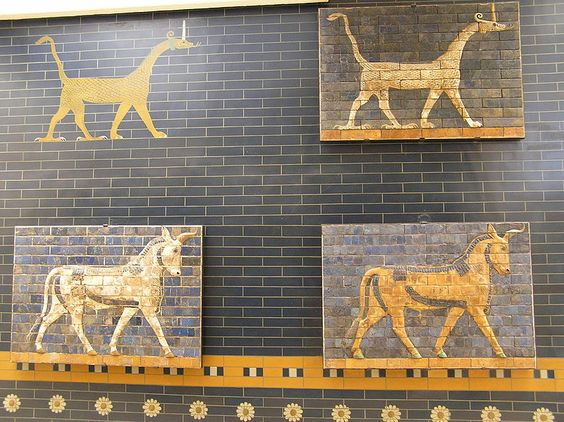 Passing animals, brick panels from the Procession Way which ran from the Marduk temple to the Ishtar Gate and the Akitu Temple. Glazed terracotta, reign of Nebuchadrezzar II (604 b.C. – 562 b.C.), Babylon (Iraq). From the Oriental pavilion, Archaeology Museums, Istanbul.