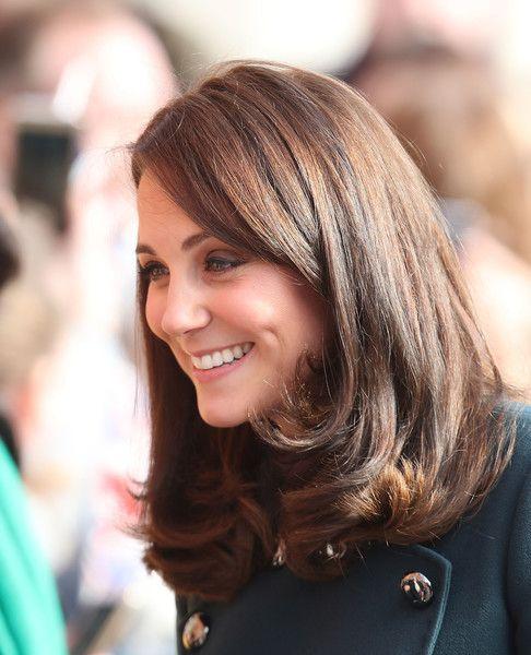 Kate Middleton Photos Photos The Duke And Duchess Of Cambridge Visit Sunderland Kate Middleton Hair Kate Middleton Haircut Mom Haircuts