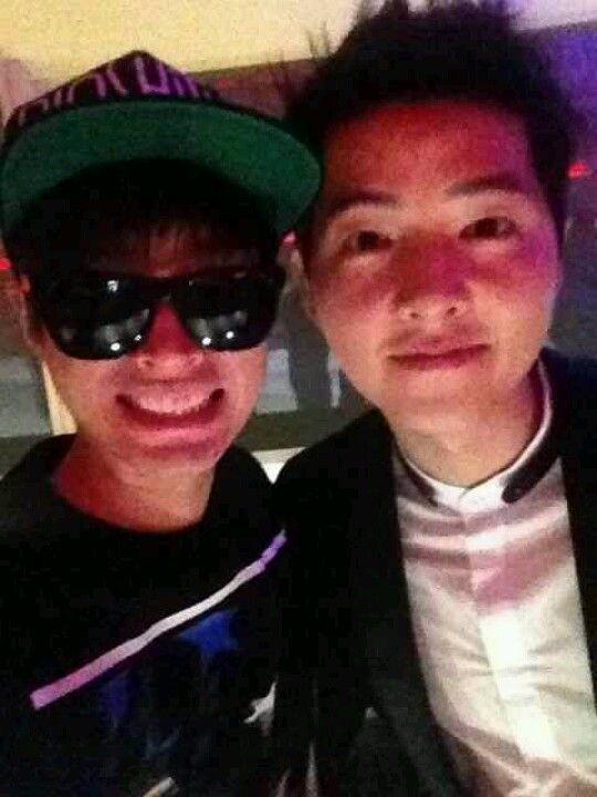 Tablo's twitter --- pic w/ Song Joong Ki
