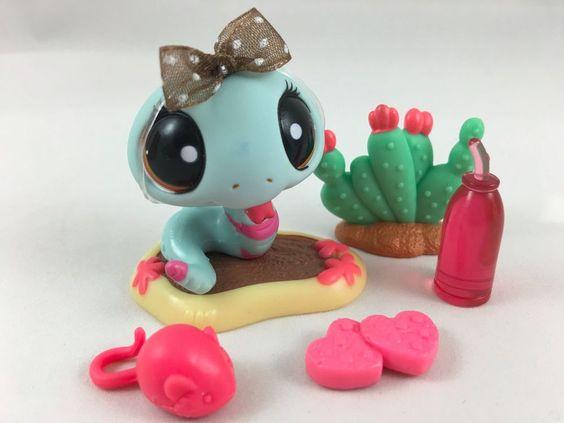 Littlest Pet Shop RARE Aqua/Pink Striped Snake #1259 w/Mud Puddle & Accessories #Hasbro