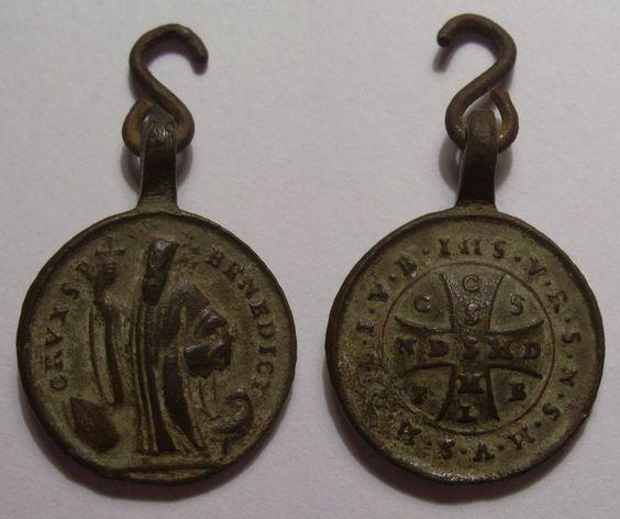 Medalla de San Benito.
