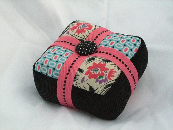 Pin Cushion by Lady Harvatine, via Flickr
