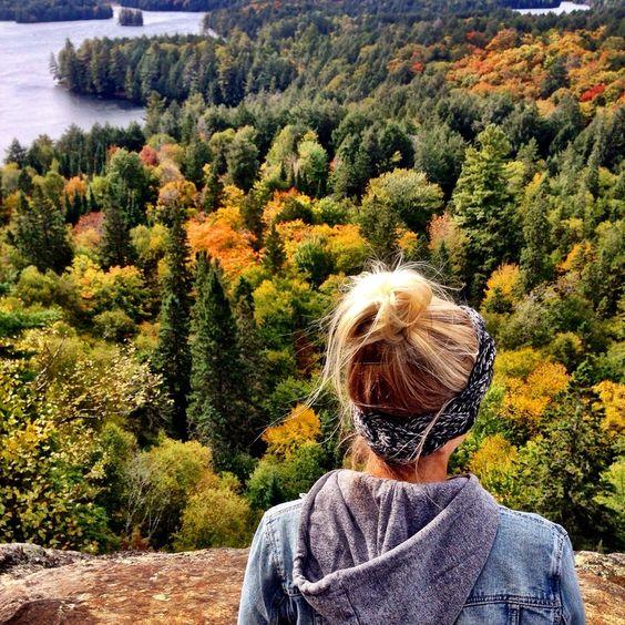 J'aime faire les randonnées. Quand je suis dehors dans la nature je me sens libre, content et relaxer.