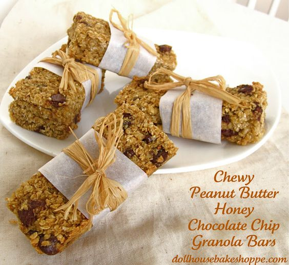 Dollhouse Bake Shoppe: Chewy Peanut Butter Honey Chocolate Chip Granola Bars (with low fat, vegan & gluten free options) {Small Batch: Yield 8}
