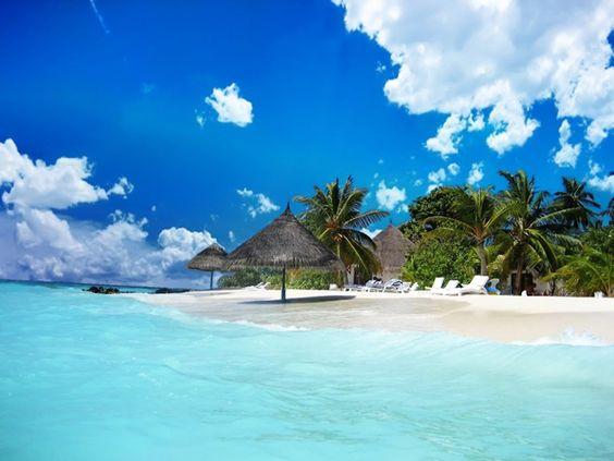 Biển xanh cát trắng trên đảo Phú Quốc