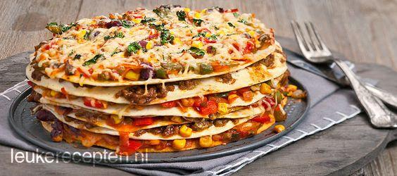 Tortillataart ( o.a.gehakt, burritokruiden, flour tortillas, taco saus, gemengde groente, kaas)