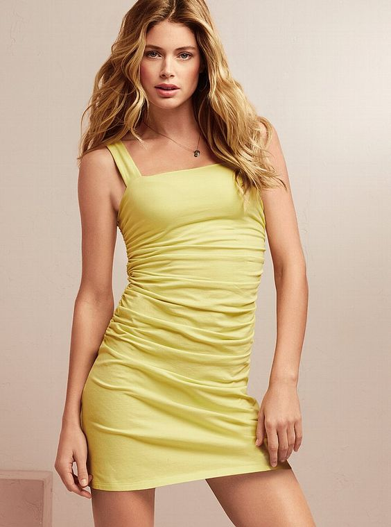 yellow dress victoria secret not selling