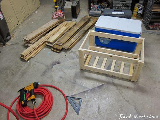 cómo hacer un enfriador de soporte de madera de palets