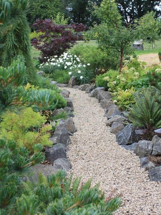 DIY Feuerecke, Garten anlegen, Feuerecke gestalten - gartenwege aus holz anlegen