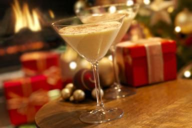 Easier Than Eggnog Cocktail Recipe - Lauri Patterson / E+ / Getty Images