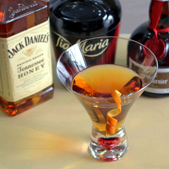 jack 39 s grand ball drink recipe featuring jack honey. Black Bedroom Furniture Sets. Home Design Ideas