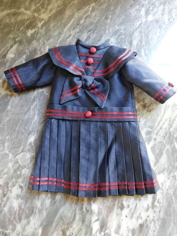 jolie robe en style marin poupée ancienne jumeau steiner