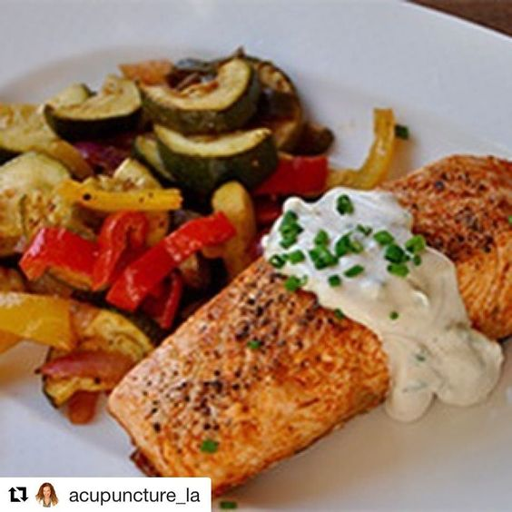 #Repost @acupuncture_la with @repostapp  Chili Roasted Salmon and Veggies.  Servings: 4  Heres what you need...Use organic and wild caught when possible   cup fresh lime juice 1 teaspoon minced garlic 1 Tablespoon chili powder 1 Tablespoon ground cumin 1 Tablespoon olive oil divided 4 (5-oz) salmon fillets 2 zucchini sliced into half moons 1 yellow bell pepper thinly sliced 1 red bell pepper thinly sliced 1 poblano pepper thinly sliced 1 small red onion thinly sliced sea salt black pepper…