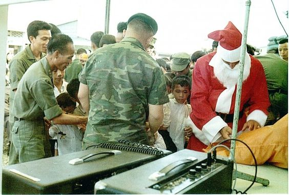 A Snowman in Hell, Christmas in Vietnam