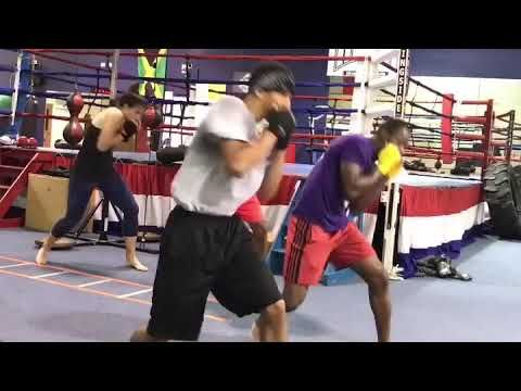 Power Shots In The Peek A Boo Style By Eric Bradley Youtube In 2020 Excersise Boxing Lessons Self Defense Techniques