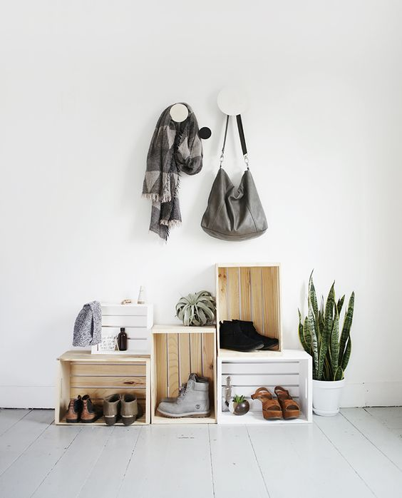 17 Ways to Organize Your Life for the New Year: DIY Entryway Organization