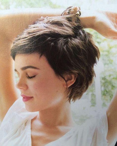 Long Pixie Pixie Haircut Came Into Vogue Hair Beauty Maallure Hair Styles Short Hair Styles Curly Hair Styles