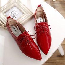 Moda estilo britânico sapatos de couro de salto plana mulheres boca profundo bico fino lace up oxfords flats plus size 35 - 41(China (Mainland))