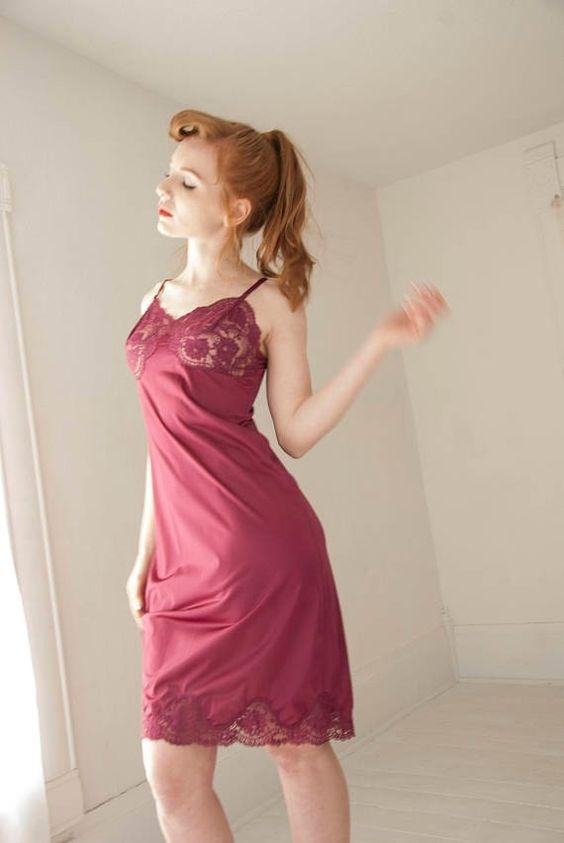 Pin UP Nylon Kleid Unterkleid