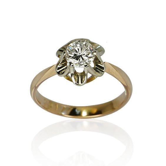 Wie hätten Sie es gerne, dass um Ihre Hand angehalten wird? Eventuell mit diesem Blickfänger ohnegleichen! Kein Wunder: Ein etwas aussergewöhnlicher Solitär. Der Brilliant mit 0,75 ct wird gehalten in einer 14 ct ... #schmuck #verlobungsring Brilliant mit 0,75ct vintage Ring Rotgold juwelen http://schmuck-boerse.com/ring/98/detail.htm @schmuck_boerse