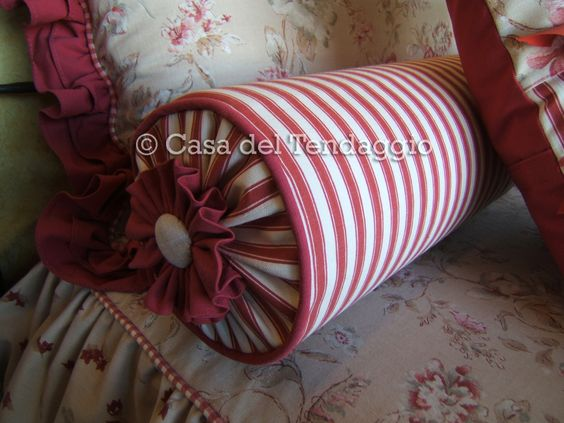 cuscino rollè con tessuti coordinati