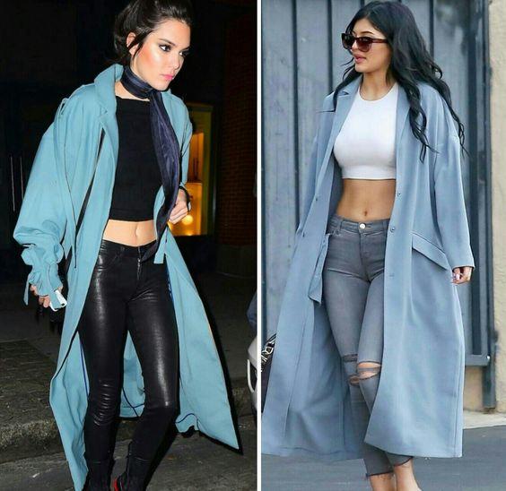 Kendall e Kylie, como não amar este estilo das duas?  Ambas com casacões azuis, croppeds e calças justas. #inspire-se #blue #style #kendallkylie #kendalljenner #kyliejenner