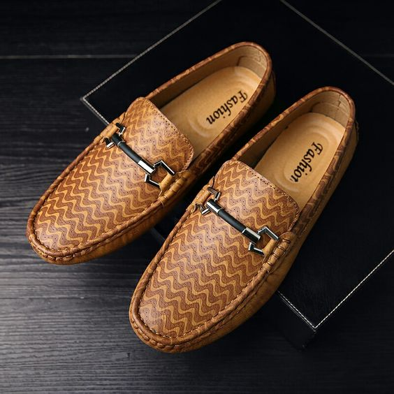 US $27 New Arrival Brand Men Horsebit Loafer Shoes Slip-on Gentlemen Moccasins Soft Flat Driving Beautiful Pattern High Quality