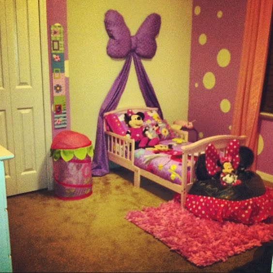 i love the bow idea verses the princess theme for when. Black Bedroom Furniture Sets. Home Design Ideas