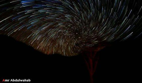 بعد اكتر من ساعتين واكتر من402صورة استطعت لأول مرة  التقاط حركة النجوم، يتوسطهم النجم القطبي الشمالي