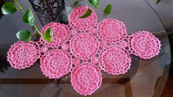 #1Flor para centro o camino de mesa en crochet