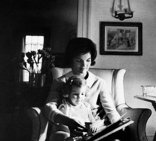 Jackie Kennedy and her daughter Carolyn in Washington D.C., 1960. by Eve Arnold.