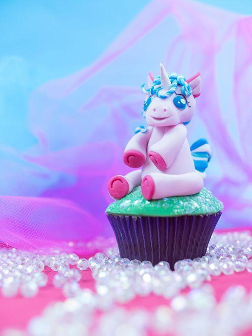 Magical Unicorn Cupcake Tutorial