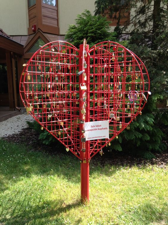 Guyla starts heart-locking tradition too. Will it be one day bigger than Prague or Paris ones?  The sign reads that you can buy the heart lock at the reception.