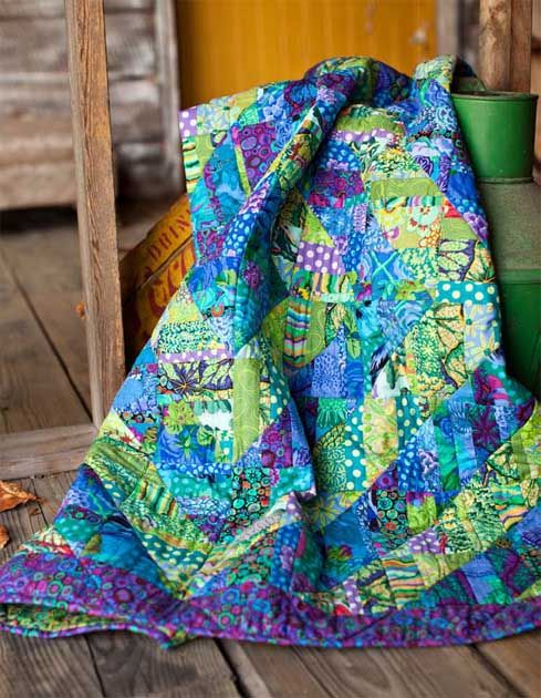 ~free pattern~ Fragmented Triangles quilt by Liza Prior Lucy. Kaffe Fassett | Westminster Fabrics:
