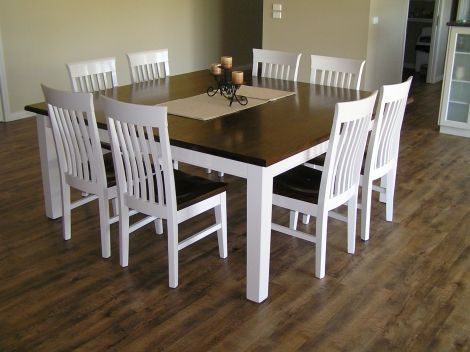 painted dining table and chairs - i think i'm gonna do this.. just have to decide which colors to use