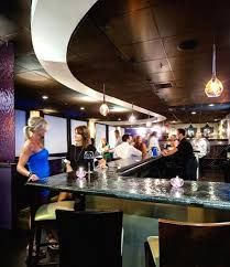 Resultado de imagen para bar interior design
