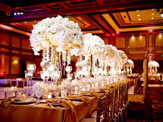 Extravagant Wedding Cakes   Pin it Like Image