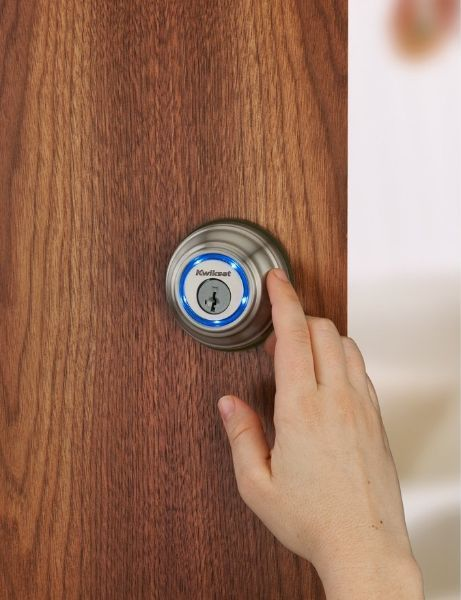 Kwikset Kevo 925 Bluetooth Enabled Deadbolt for iPhone 4S and 5 $219.00